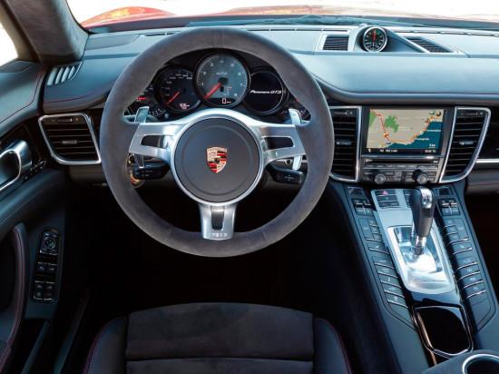 интерьер салона Porsche Panamera GTS