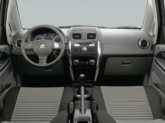 интерьер салона Suzuki SX4 Classic