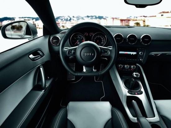 интерьер салона Audi TT 8J