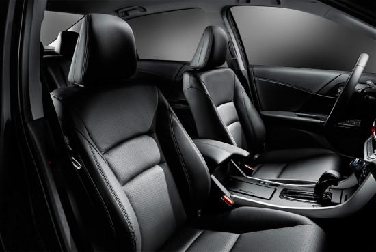 интерьер салона седана Хонда Аккорд 9