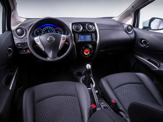 интерьер салона Nissan Note 2 поколения