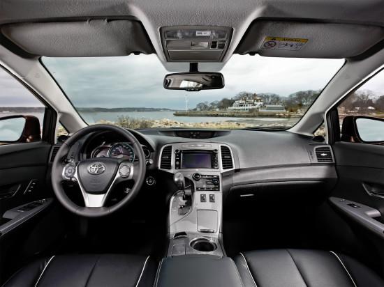 интерьер салона Toyota Venza 2012