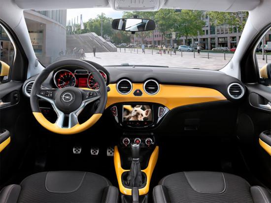 интерьер салона Opel Adam