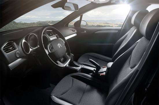интерьер седана Ситроен С4 2016-2017 модельного года