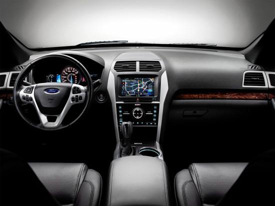 интерьер салона Ford Explorer 5 (2011)
