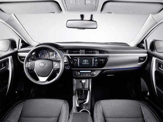 интерьер салона Toyota Corolla E170 2013 модельного года
