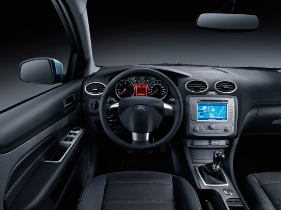 интерьер салона Ford Focus 2 Sedan