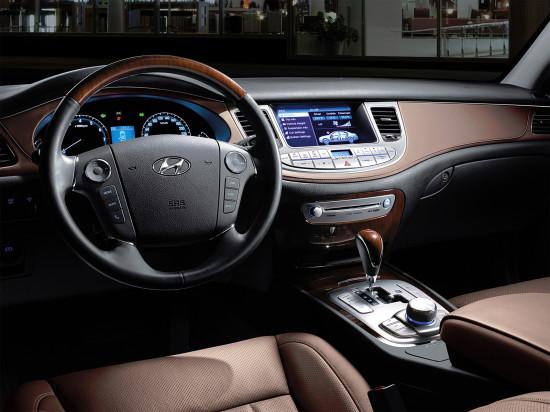 интерьер салона Hyundai Genesis (BH)