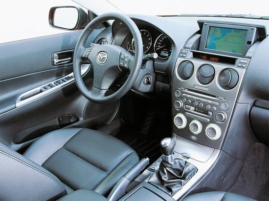 интерьер Mazda 6 2002 года