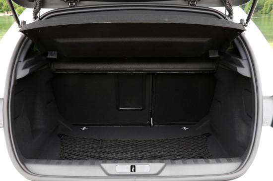 багажное отделение хэтчбека Peugeot 308 II T9