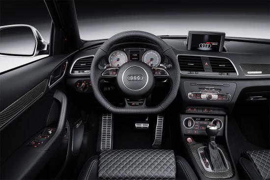 приборная панель и центральная консоль Audi RS Q3 1-го поколения