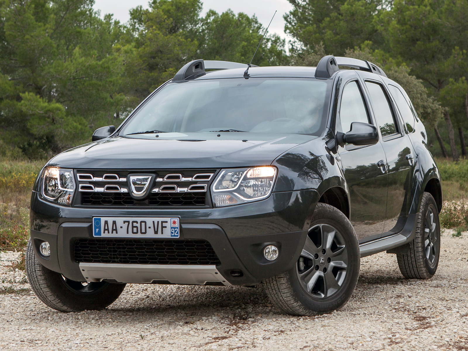 100 Renault Duster 2019 Dacia Duster 4x4 Photo