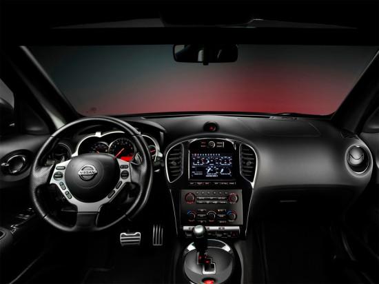 интерьер Nissan Juke-R