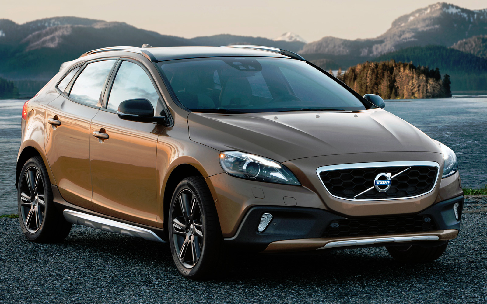 отзывы volvo v40 cross country d2