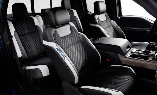 в салоне Ford F150 13/5-го поколения