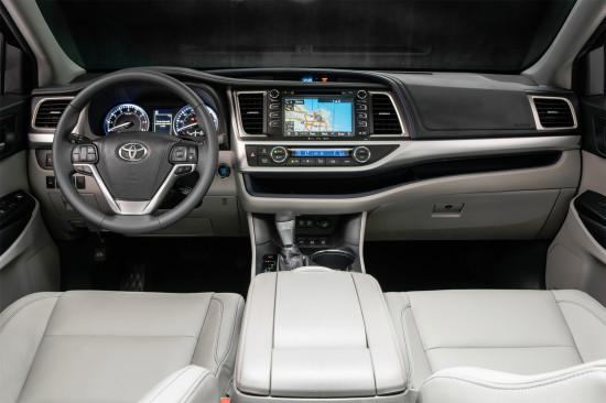 интерьер салона Toyota Highlander 3