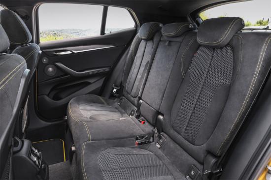 интерьер салона BMW X2