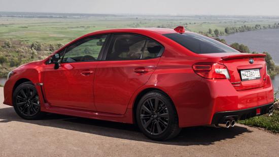 седан Subaru WRX 4-го поколения