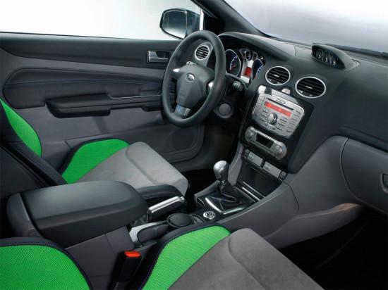 в салоне Форд Фокус RS