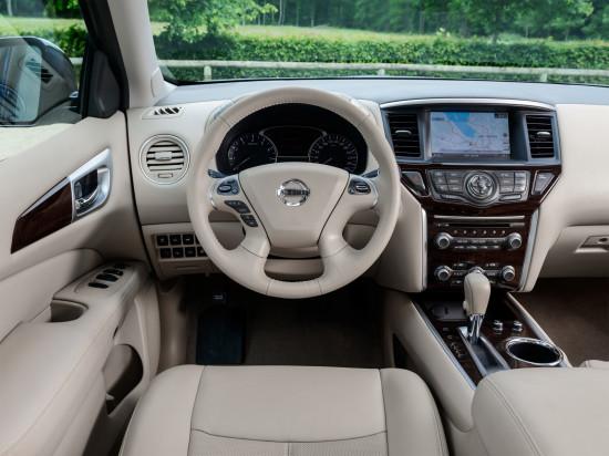 интерьер салона Nissan Pathfinder 4 R52