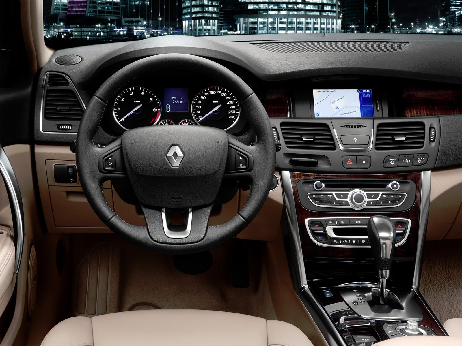 Рестайлинг бизнес-седана Renault Latitude 2014-2015