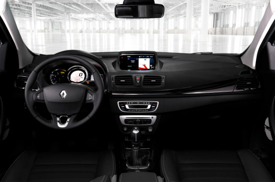 интерьер салона Renault Megane III