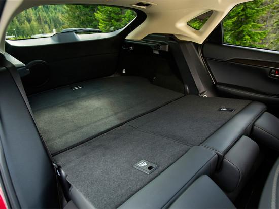 в салоне Lexus NX 200