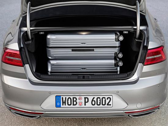 багажное отделение седана Passat B8