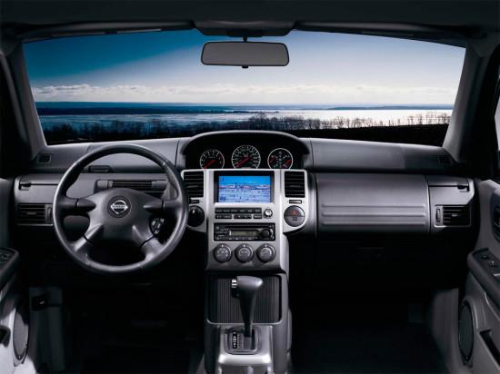интерьер салона Nissan X-Trail 1