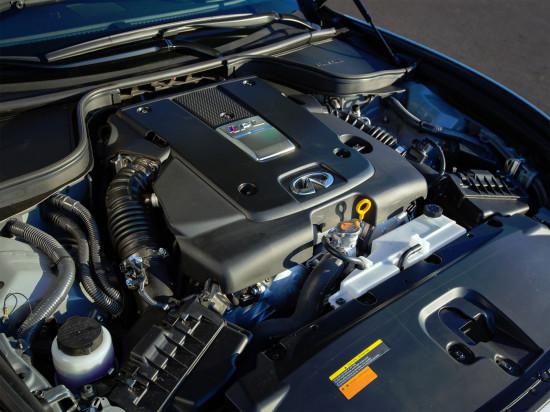 под капотом Infiniti Q60 Coupe