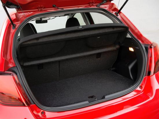 багажное отделение Toyota Yaris 3