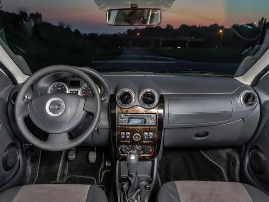 передняя панель и центральная консоль
