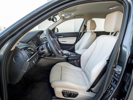 в салоне BMW 1-series (F20)