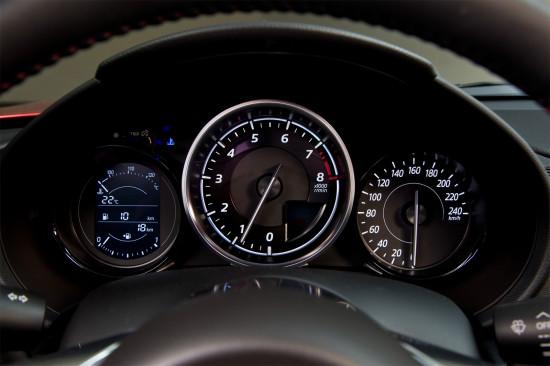 панель приборов Mazda MX-5 ND