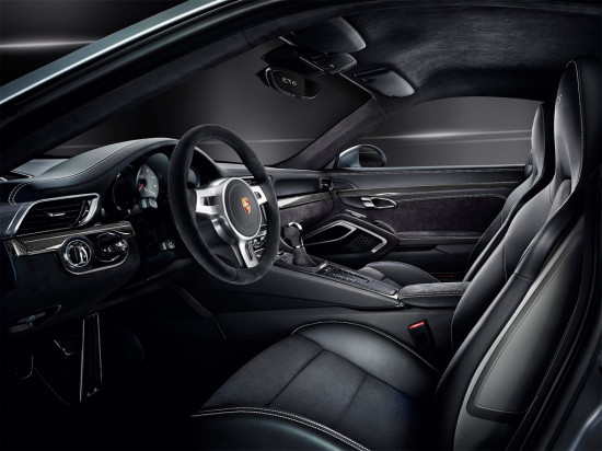 интерьер салона Порше 911 Каррера GTS