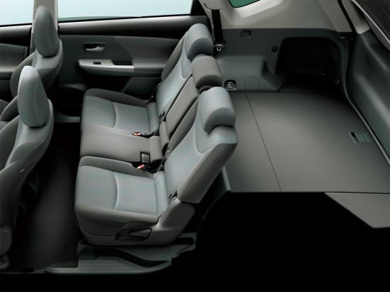 5-ти местный Toyota Prius-V