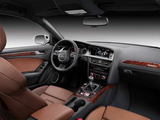интерьер салона Audi A4 Avant B8