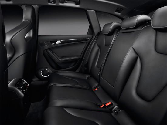 в салоне Audi RS4 Avant B8