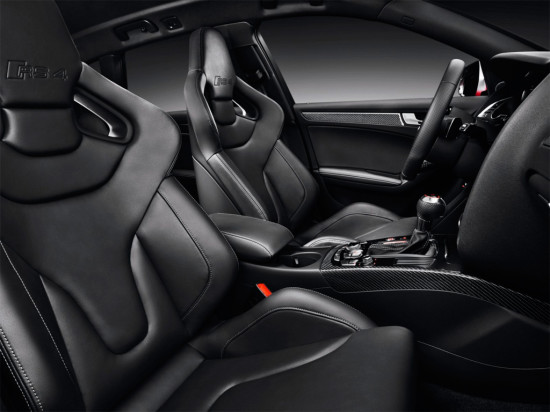 интерьер Audi RS4 Avant B8