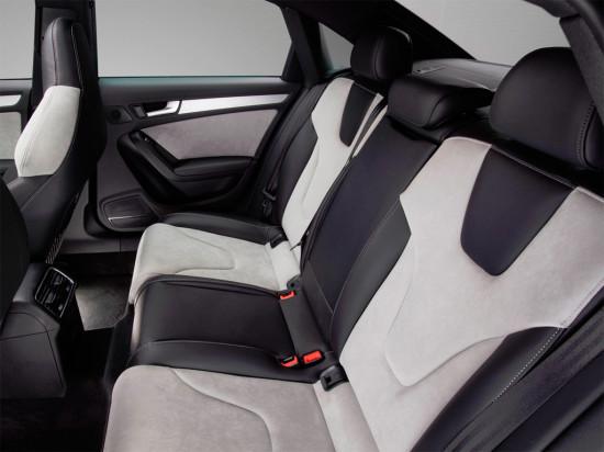 в салоне Audi S4 Sedan (B8)