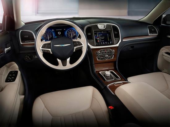 интерьер салона Chrysler 300C 2015
