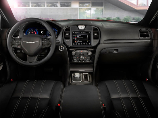 интерьер салона Chrysler 300 S