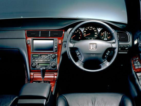 интерьер салона Honda Legend 3