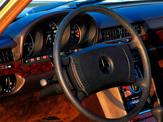 интерьер салона Mercedes-Benz S-class W116