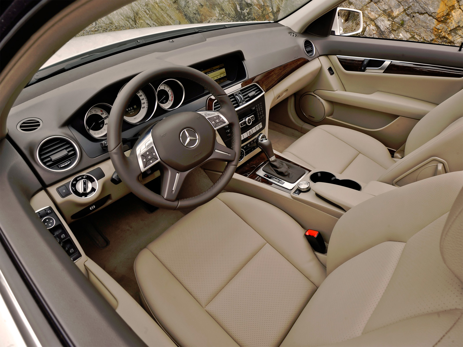 Mercedes-Benz C-class (2007-2014) характеристики и цены