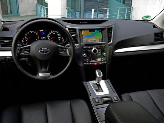 интерьер салона Subaru Outback 4
