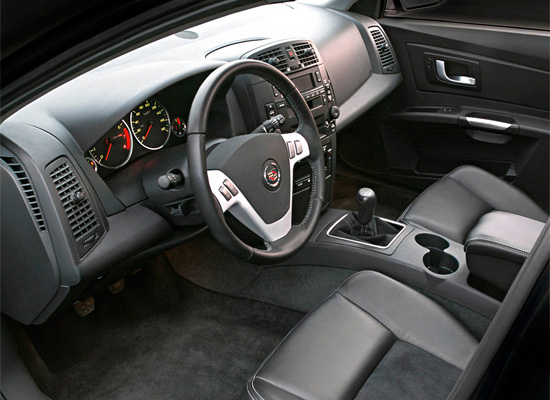 интерьер салона Cadillac CTS 2002-2007