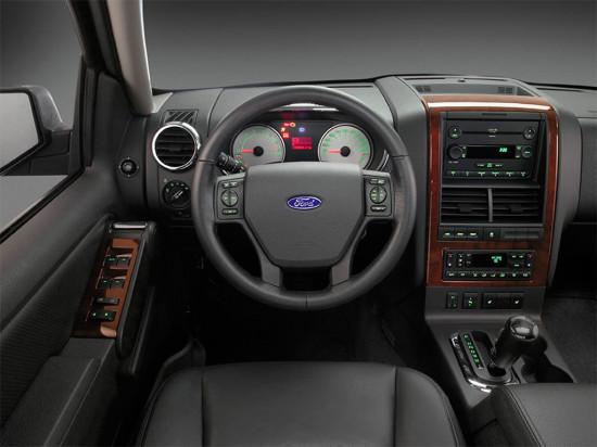 интерьер салона Ford Explorer 4 2005-2010