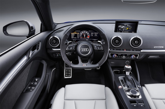 интерьер салона Audi RS3 Sportback (8V)
