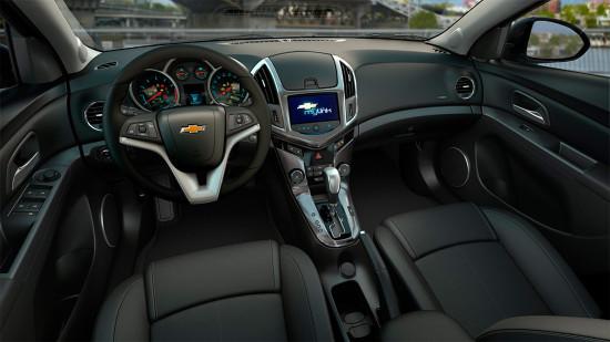обновленный интерьер Chevrolet Cruze